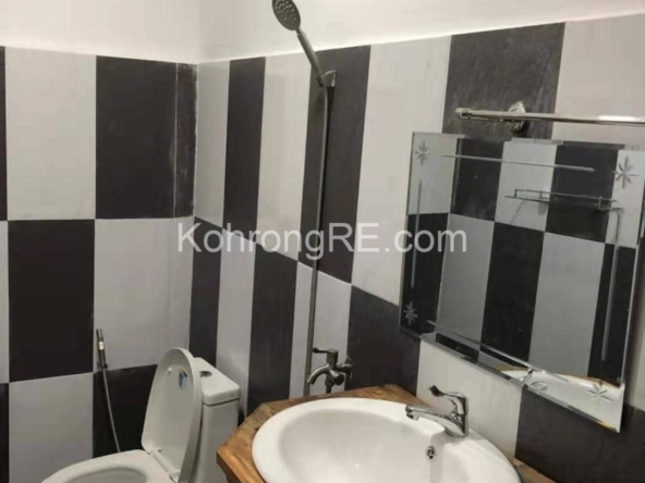 beachfront hotel for rent in Koh Rong at Royal Beach hard title (3)