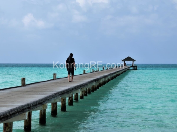 beachfront hotel for rent in Koh Rong at Royal Beach hard title (6)